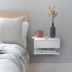 Are you interested in our Floating bedside table ? With our wall mounted bedside you need look no further. Under Bed Drawers, Bedside Drawers, Floating Nightstand, Shelf Nightstand, Nightstand Ideas, Wall Mounted Bedside Table, Cool Bedside Tables, Bedside Table Styling, Floating Drawer