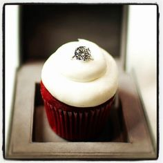 proposal cupcake. I would die.