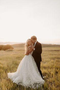 Bride And Groom Pictures, Bridal Pictures, Elope Wedding, Wedding Poses, Wedding Ideas, Bridal Photoshoot, Bridal Shoot, Utah Wedding Photographers, Destination Wedding Photographer