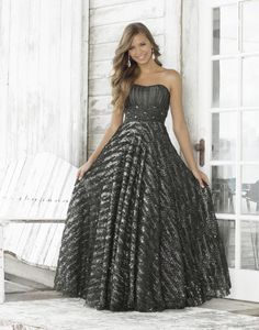Shop for Blush prom dresses and evening gowns at Simply Dresses. Blush sexy long prom dresses, designer evening gowns, and Blush pageant gowns. Blush Prom Dress, Black Prom Dresses, Blush Dresses, Ball Gown Dresses, Pretty Dresses, Strapless Dress Formal, Beautiful Dresses, Formal Dresses, Dress Prom