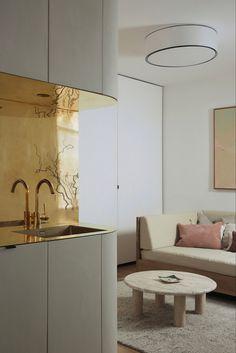 Minimalist Parisian Apartment via AD | #opulentmemory #chicinteriors #homedcor Built In Sofa, Recessed Lighting Fixtures, Parisian Kitchen, Interior, Grey Kitchen, Metallic Backsplash, Light Grey Kitchen Cabinets, Home Decor, Light Grey Kitchens
