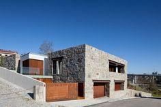 FCC arquitectura renovates rural portuguese farmhouse - designboom   architecture