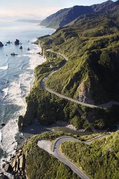 west coast, south island of NZ, heading north to punakaiki. make sure you get petrol before setting off! <3