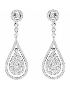 A rare and unique find, these round brilliant cut diamond droplet earrings feature 164 diamonds in total and sit on 14 karat white gold.