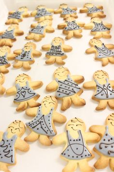 Very chic iced biscuits!