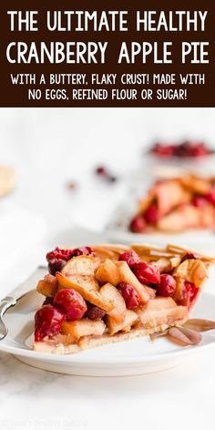 This Healthy Cranberry Apple Pie is surprisingly low calorie, despite its buttery flaky crust! Perfect for Thanksgiving! (Naturally eggless with dairy free & vegan options!) ♡ best homemade cranberry apple pie recipe for thanksgiving. clean eating low calorie cranberry apple pie for fall. Healthy Fruit Cake, Healthy Fruit Smoothies, Healthy Vegan Breakfast, Healthy Vegan Desserts, Healthy Baking, Dessert Healthy, Vegetarian Recipes, Healthy Food, Healthy Recipes