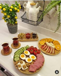Party Platters, Food Platters, Best Breakfast, Breakfast Recipes, Snap Food, Food Snapchat, Food Decoration, Food Humor, Food Presentation