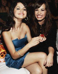 Selena Gomez - Demi Lovato