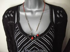 Red Skully Heart - a pendant in steel wire and beads   Flickr - Photo Sharing!