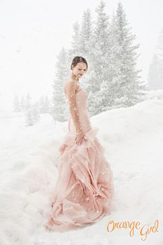 ♥ Snowglobe ♥ Pink Wedding Dress in the snow - This is magical!