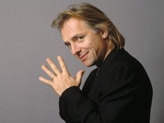 Rik Mayall fans campaign for Bottom bench where he punched Ade Edmondson in the groin for the telly series. English Drama, English Comedy, Rik Mayall Bottom, Beautiful Men, Beautiful People, Amazing People, Ade Edmondson, Great Comedies, Classic Comedies