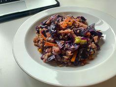 """65 To se mi líbí, 2 komentářů – Nikol Spillerová (@affordablefitt) na Instagramu: """"""""Pohanková zeleninová čína"""" 🥙🐉 Dobře, od číny to má trošku daleko ale nenapadl mě lepší název pro…"""" Kung Pao Chicken, Beef, Ethnic Recipes, Food, Meat, Essen, Meals, Yemek, Eten"""