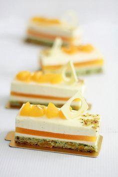 Postre de albaricoques y pistachos - Pistachio and apricot dessert