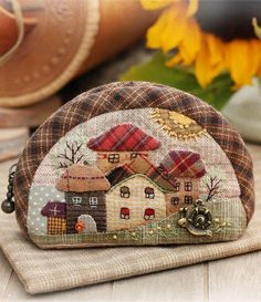 17 best ideas about japanese patchwork on Japanese Patchwork, Patchwork Bags, Quilted Bag, Applique Quilts, Embroidery Applique, Fabric Crafts, Sewing Crafts, Sacs Tote Bags, Sewing Appliques