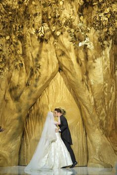 Desfile de Pronovias en Barcelona Bridal Week 2013 | Anne Vyalitsyna & Jon Kortajarena | Moda nupcial | Vestidos de novia.  #BcnBridalWeek #Novias #Brides http://www.barcelonabridalweek.com