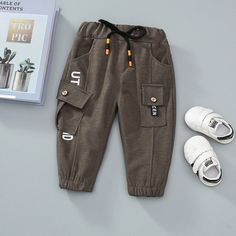 Baby / Toddler Letter Print Front Pocket Trouser (No shoes) Toddler Fashion, Kids Fashion, Boy Outfits, Fashion Outfits, Boys Clothes Style, Camisa Polo, Boys Pants, Matching Family Outfits, Spring Street Style