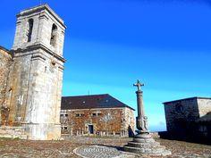 Peña de Francia. Santuario, Hospederia, Rollo y Capilla de la Blanca ( De izquierda a derecha )