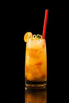 Der Bombay Crushed ist der Signature Drink von Bombay Sapphire Gin und auch mit anderem Gin eine super Mischung.