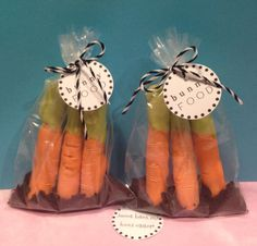 """EASTER BUNNY FOOD """"Carrots"""" (4) Treat Bags - 12 Mini Pretzels with Oreo """"Dirt"""" #AnnWCharles"""