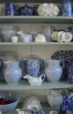 Pilgrim and Pie in France.: Blue and white Burleigh ware. - oh the blue and white prettiness!