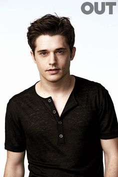 2669_out_young_actors_andy_mientus_s1_135_x.jpg (655×983)