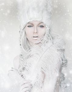 Photo Frozen by Amanda Diaz on Amanda Diaz, Fairytale Fashion, Maquillaje Halloween, Queen Costume, Ice Princess, Winter Princess, Fantasy Photography, Halloween Disfraces, Art Graphique