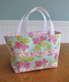 Several Scripture Tote tutorials