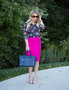 A wool pink pencil skirt is paired with a grey floral blouse and new pumps for an unexpected yet chic wear to work look that isn't boring. Pink Skirt Outfits, Hot Pink Skirt, Pink Midi Skirt, Pink Pencil Skirt, Pencil Skirt Outfits, Midi Skirts, Work Outfits, Fall Outfits, Jupe Crayon Rose
