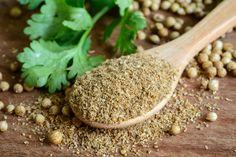 Rákellenes fűszerek - Egészség   Femina Home Remedies For Gout, Gout Remedies, Natural Home Remedies, Cilantro Recipes, Spicy Recipes, Herb Recipes, Detox Recipes, Coriander Powder, Coriander Seeds