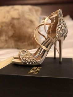 8d729f26f Badgley Mischka Bridal Shoes - Women s Selena Heeled Sandal - Size 7.5 -  Ivory  fashion