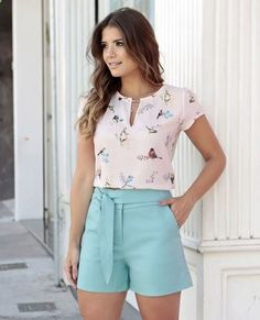 Love the color and style of the shorts and I love the bird print and color of the shirt Casual Wear, Casual Dresses, Casual Outfits, Cute Outfits, Fashion Outfits, Short Outfits, Outfits For Teens, Short Dresses, Summer Outfits