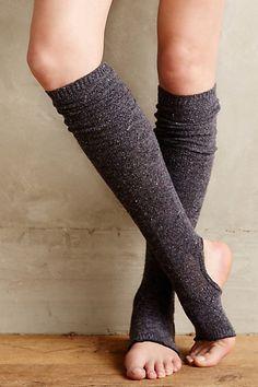 love these stirrup leg warmers rstyle.- love these stirrup leg warmers rstyle.me/… love these stirrup leg warmers rstyle. Latest Fashion For Women, Fashion Women, Fashion Outfits, Mode Shoes, Yoga Socks, Rocker, Socks And Heels, Yoga Wear, Yoga Fashion