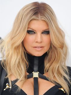 Hairstyles, Haircuts, and Hair Color Ideas 2020 - Celebrity Hair Looks Blonde Celebrity Hair, Blonde Celebrities, Celebrity Hairstyles, Blonde Hairstyles, Celebs, Blonde Root Stretch, Bridal Hair And Makeup, Hair Makeup, Blonde Babies
