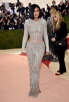 Kylie Jenner en Balmain   Galería de fotos 89 de 174   VOGUE
