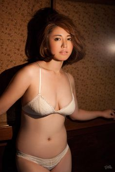 isoyama_sayaka_2996-090.jpg 800×1,200 ピクセル