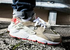 purchase cheap 11417 fb521 Thoughts on the Nike Air Huarache in Light Beige Laser Crimson