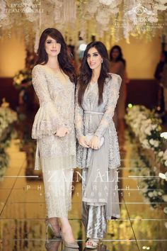 Only Sleeve design Pakistani Formal Dresses, Pakistani Wedding Outfits, Pakistani Dress Design, Pakistani Wedding Dresses, Dress Wedding, Wedding Ceremony, Dress Indian Style, Indian Dresses, Indian Outfits