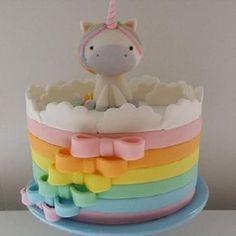 Awesome Birthday Party Ideas for Girls – Unicorn Cake Baby Cakes, Girl Cakes, Pretty Cakes, Cute Cakes, Fondant Cakes, Cupcake Cakes, How To Make A Unicorn Cake, Rodjendanske Torte, Savoury Cake