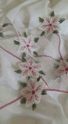 En beğenilen iğne oyası modelleri sayfa - 15 Point Lace, Needle Lace, Beautiful Crochet, Craft Work, Flower Patterns, Needlepoint, Knitting Patterns, Projects To Try, Weaving