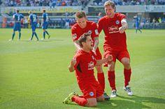 Bielefeld dreht im OWL-Duell gegen Paderborn ein 0:1 zum 2:1 +++  DSC erarbeitet sich den Derby-Triumph