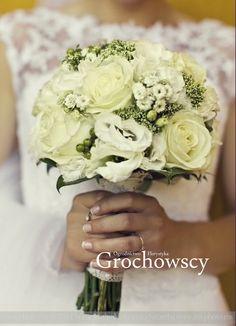 bukiet ślubny Człuchów białe róże biała eustoma biały bukiet ślubny