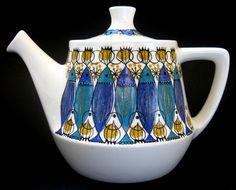 Figgjo Flint (Norway) 'Clupea' Teapot designed by Turi Gramstadt Oliver Vintage Pottery, Vintage Ceramic, Dinnerware Diy, Pitch, Teapot Design, Chocolate Pots, Retro Home, Porcelain Ceramics, Scandinavian Design