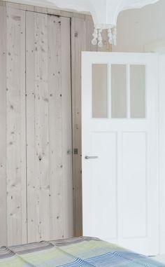 houten-kledingkast