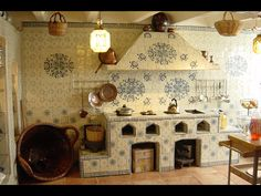 Cocina Hacienda Kitchen, Colonial Kitchen, Rustic Kitchen, Mexican Style Decor, Mexican Style Kitchens, Mexican Interior Design, Dark Interiors, Contemporary Home Decor, Kitchen Styling