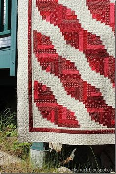 Log Cabin quilt | More Log cabin quilts, Log cabins and Cabin ideas : quilting a log cabin quilt - Adamdwight.com