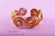 """Bracelet, modèle """"classique"""" chocolat et orange"""
