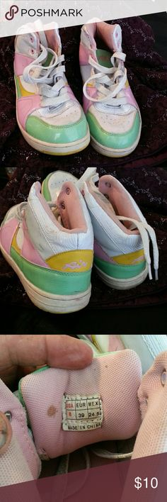 Size 8 girls shoes Very nice shoes they are a little worn not bad there's one of those both of us like a little speck but it's actually a time you're brasion but they still got miles to go and they're waiting for you Shoes Athletic Shoes