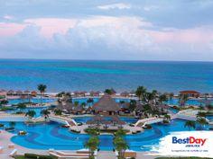 Moon Palace es un impresionante resort Todo Incluido frente al mar cercano a los principales atractivos de #Cancun. Cuenta con lujosas habitaciones, amplias áreas de piscina, campo de golf, restaurantes, facilidades nupciales, así como instalaciones y servicios de negocios, ideal para vacacionar, organizar una boda o un viaje de incentivos. #BestDay #OjalaEstuvierasAqui