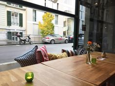 In Lausanne, new café and restaurants open all the time . Here are some of the new places you must try in Lausanne. Lausanne, News Cafe, Cafe Restaurant, Switzerland, Windows, Mood, Places, Outdoor Decor, Beautiful