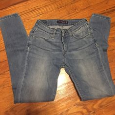 Studded Levi Skinny Jeans Size 5 (M), studded pockets, great condition - only worn a few times, color- faded Levi's Jeans Skinny